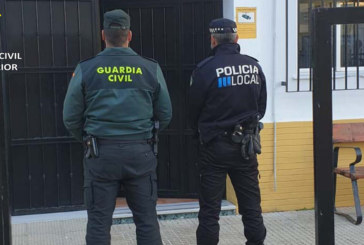 Isla Cristina | La Guardia Civil en un operativo junto con Policía Local intercepta al conductor y ocupantes de un vehículo que trataban de hurtar un patinete eléctrico