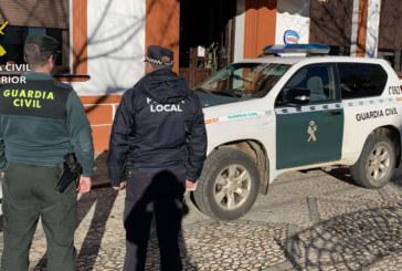 Jabugo | La Guardia Civil y Policía Local detienen a un varón tras robar en dos establecimientos