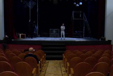Cartaya Tv | «Crimen y Telón» de la Cía. Ron Lalá en el Ciclo de Teatro de Otoño de Cartaya
