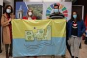 El CEIP 'Castillo de los Zúñiga' presenta al<br>Ayuntamiento la Bandera Oficial del Centro