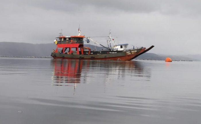 Queilen: dos fallecidos tras hundimiento de barcaza.