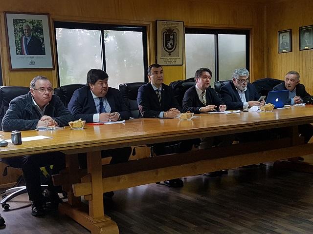 Castro: presentan propuesta de nueva carretera para Chiloé.