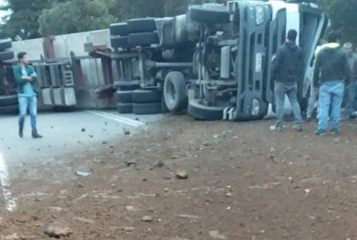 Ancud: chófer de camión fallece tras protagonizar accidente de tránsito.