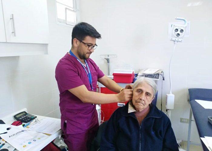 Quinchao: realizan operativo otorrino oftalmológico.