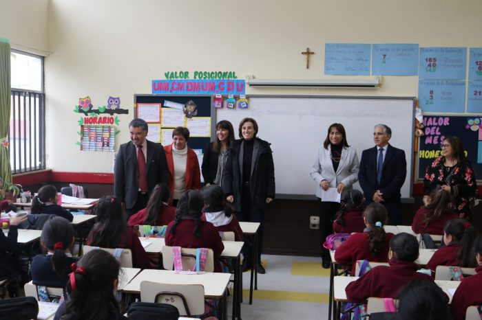 "Regional: se realizó lanzamiento del plan ""English in English"""