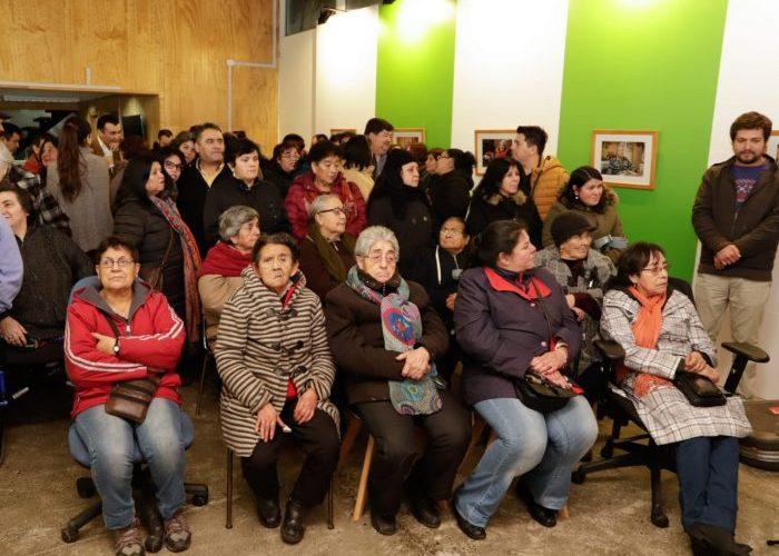 """Castro: Programa """"Cultura en los Barrios"""" inauguró exposición sobre población Manuel Rodríguez"""