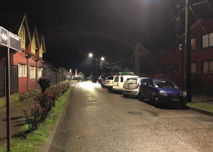 Castro: implementan a emblemática calle con nueva señalética vial y alumbrado público.