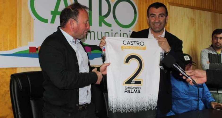 Alcalde recibió a la selección de Castro