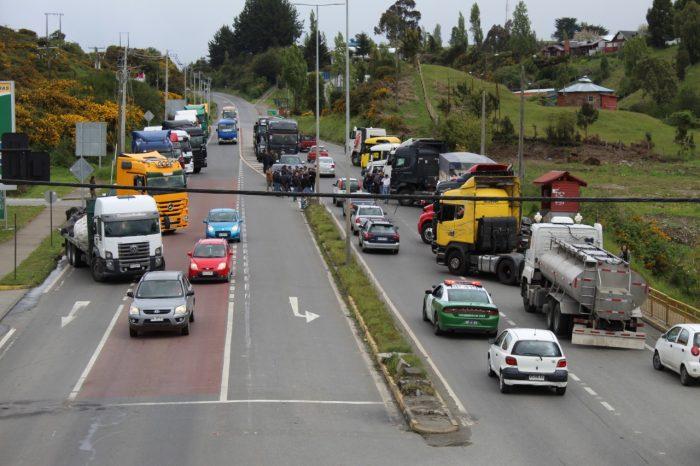 Castro: transportistas se movilizan tras analizar situación de manifestación en Quellón.