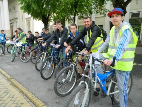 Sute de sătmăreni au pedalat pentru Bibliotecă
