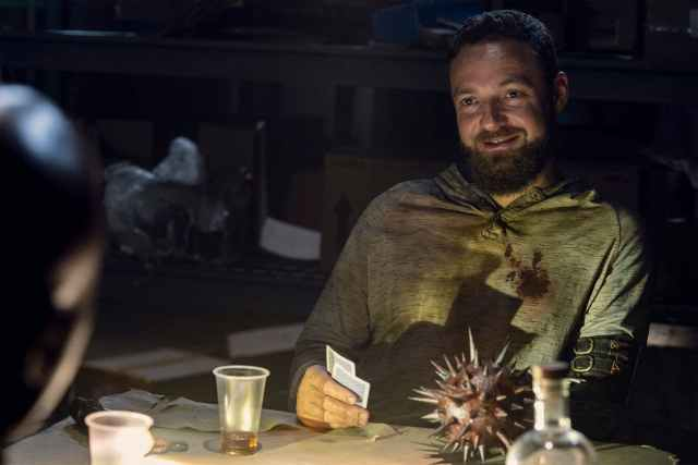 Aaron en The Walking Dead - Temporada 10, parte C