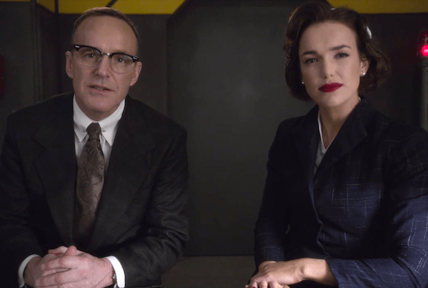 Phil Coulson y Jemma Simmons - Agents of SHIELD 7X03 - Aliens Commies from the Future