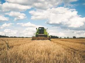 αγρότες χωράφι τρακτερ