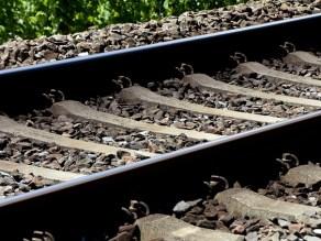 ράγες σιδηρόδρομος τρένο σιδηροδρομικές γραμμές