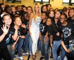 Beyonce` Surprises Students in New York (pics) 1