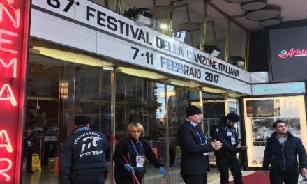 """Festival di Sanremo 2018, Claudio Baglioni è anche il """"conduttore""""."""