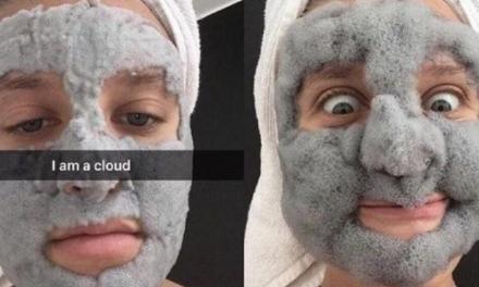 La maschera di bellezza più amata di Instagram ha delle strane controindicazioni.
