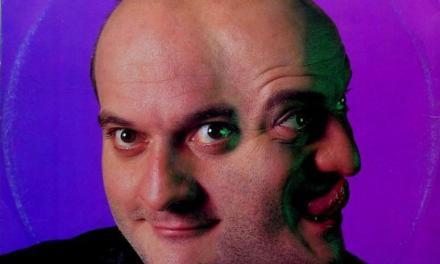 Settembre 1991, il comico Claudio Bisio conquista la vetta delle hitchart con Rapput (senza fiato).