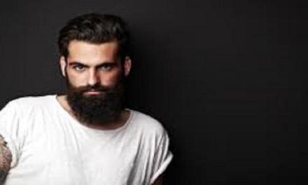 La barba influenza i giudizi negativamente.