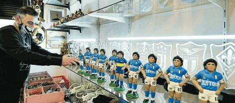 Napoli, Diego Maradona nel presepe di San Gregorio