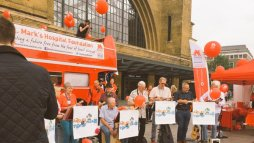 A Ukelele band perform at Kings Cross