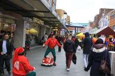 Harrow Town Centre Christmas Lights - Street entertainers