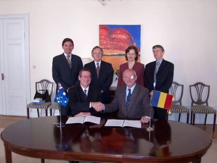 Stockholm, 15 iunie 2005: Semnarea Memorandumului de Înţelegere între Divizia Antarctică Australiană (DAA) şi Fundaţia Antarctica Română (FAR) pentru utilizarea în comun de către Australia şi România a Staţiei Law-Racoviţă, redenumită Law-Racoviţă-Negoiţă