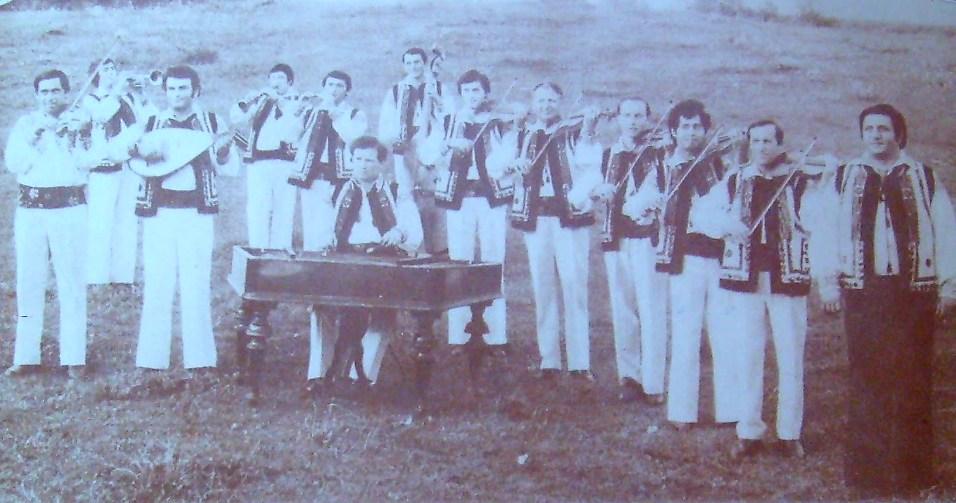 AAAA - Orchestra Populara Rapsozii Botosanilor