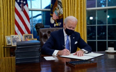 Biden Signs 10 Executive Orders in  'Wartime' Coronavirus Plan