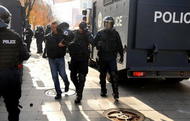 Rezultat slika za Vanredno na Kosovu: Ranjeno više policajaca, Thaci sazvao kriznu sjednicu