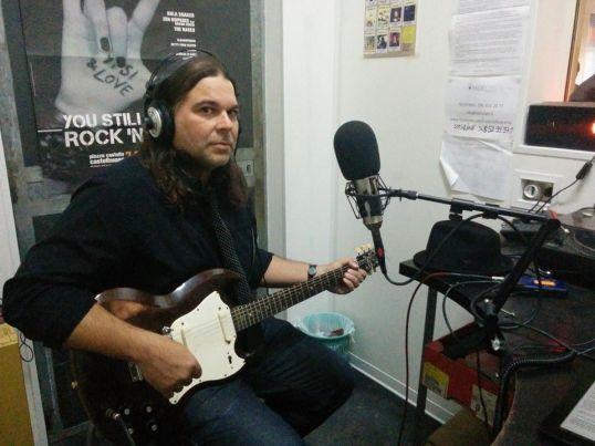 Pall Jenkins  suona in diretta negli studi di radio Lab