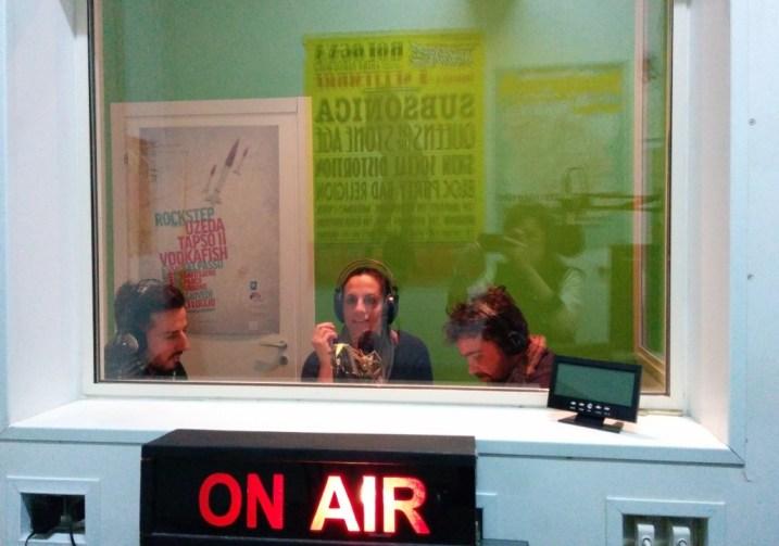 Roberta Pastore, Roberto Corbia e Giorgio Laboratore negli studi di Radio Lab