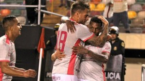 Universitario venció 2-1 a Sporting Cristal y llega embalado al clásico (VIDEO)