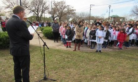 """En el """"Día de la Bandera"""", se homenajeó al General Manuel Belgrano, en el 199º aniversario de su fallecimiento"""