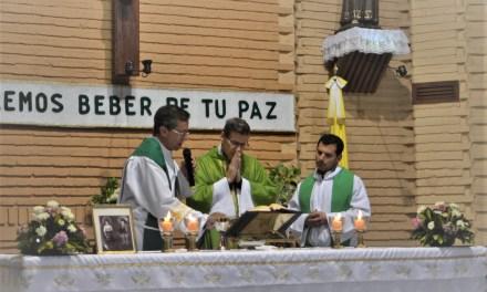 El Sacerdote Alejandro Bottoli ofició su primera misa en Las Parejas