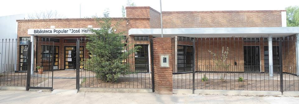 La Biblioteca José Hernández reabrió sus puertas