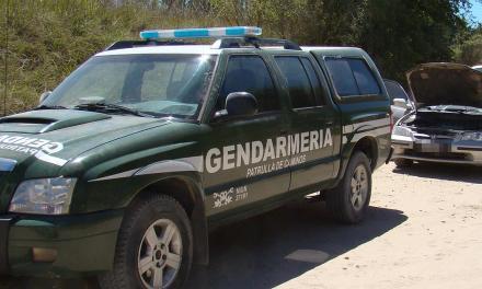 Detienen a dos efectivos policiales tras allanamientos por estupefacientes