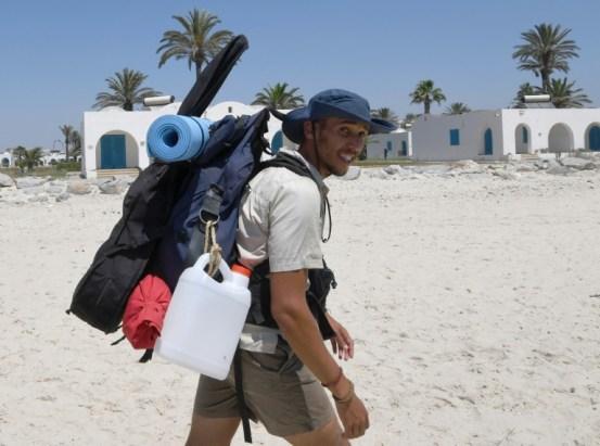 Un activista recorre 300 km en pleno verano para limpiar playas tunecinas - 102147cc87dfec8d89c6f7749e66539370d03187-300x223