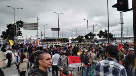 Oposición colombiana marcha para exigir a Duque que cuide la paz - photo5140871791282071511_1_
