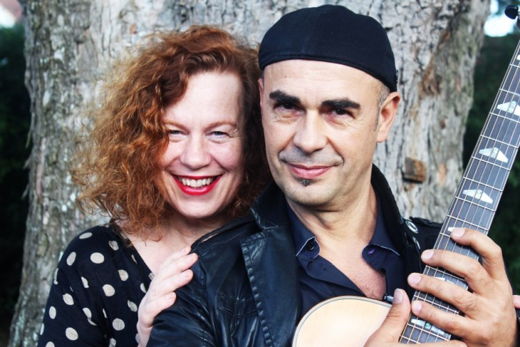 SARAH JANE MORRIS in un tour a CATANIA