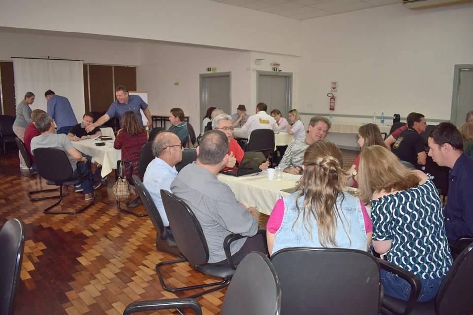 Lideranças da região participaram oficina de planejamento do turismo