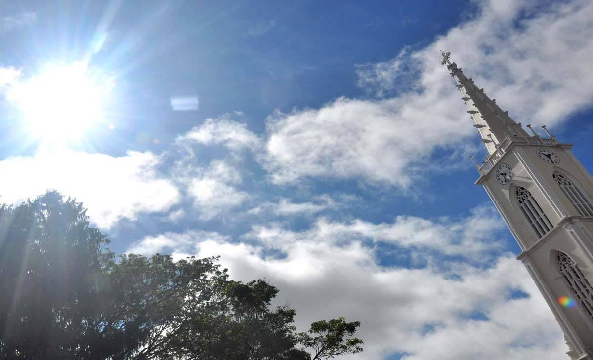 Tempo bom pela manhã, mas a instabilidade deve chegar a região nesta terça-feira