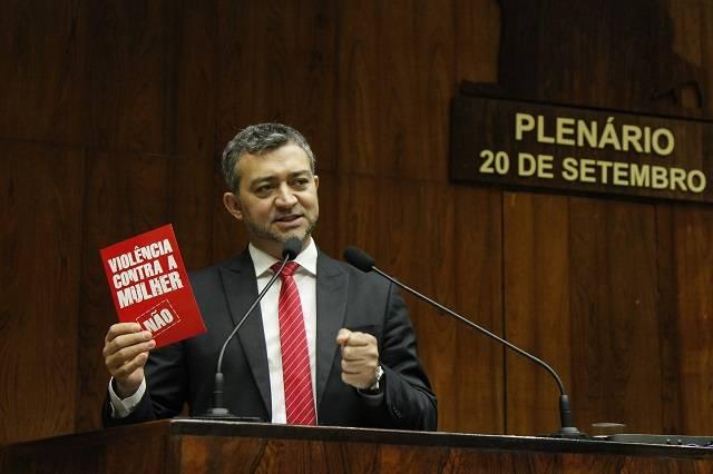 Agricultura familiar e fim da violência contra a mulher continuarão sendo bandeiras de mandato, diz deputado Edegar Pretto