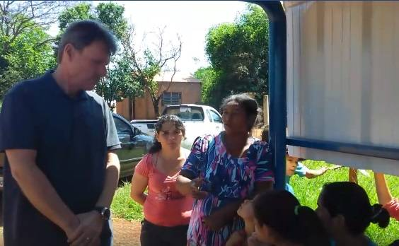 Após reivindicação de líder comunitária, comunidade da vila União recebe nova parada de ônibus