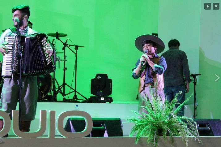 Com duas conferências e show de Thomas Machado, Colóquio Internacional da URI foi aberto