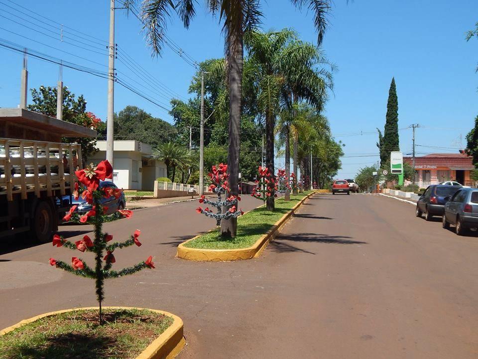 Roque Gonzales começa a ganhar decoração de Natal