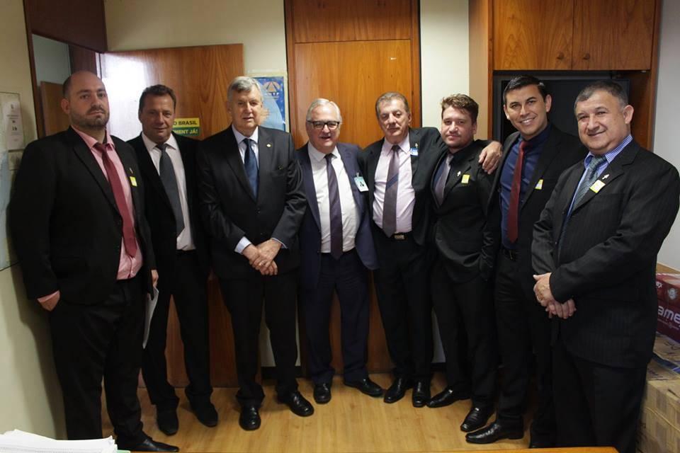 Pedro Westphalen visita gabinete de Luis Carlos Heinze