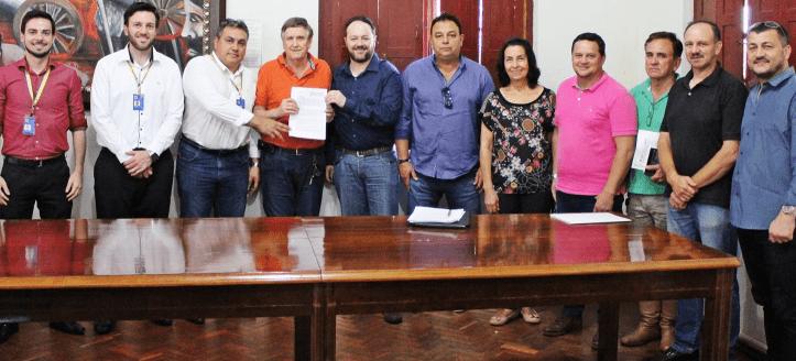 Prefeitura assina contrato de R$ 1,5 milhão para compra de três máquinas