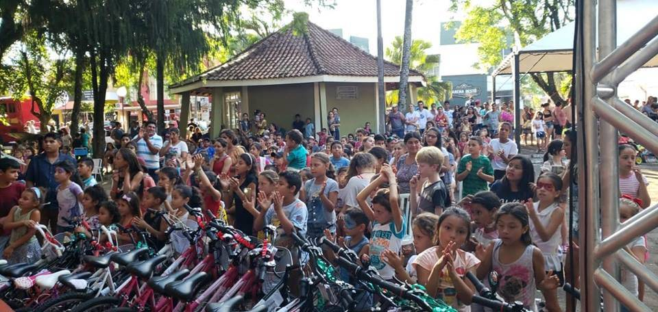Rádio Missioneira promove tarde de alegria no 19ª Criança Feliz