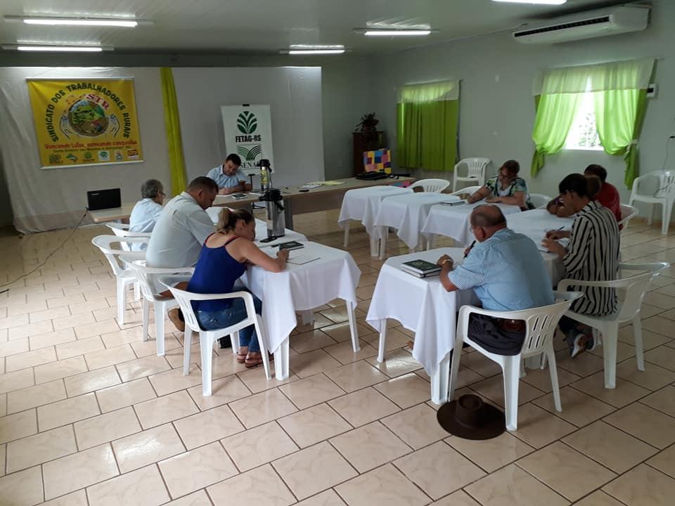Construção da sede própria do STR em Garruchos pautou reunião